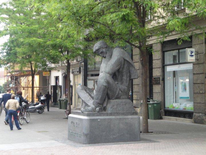 Javni Spomenik U Zagrebu Licensed For Non Commercial Use Only